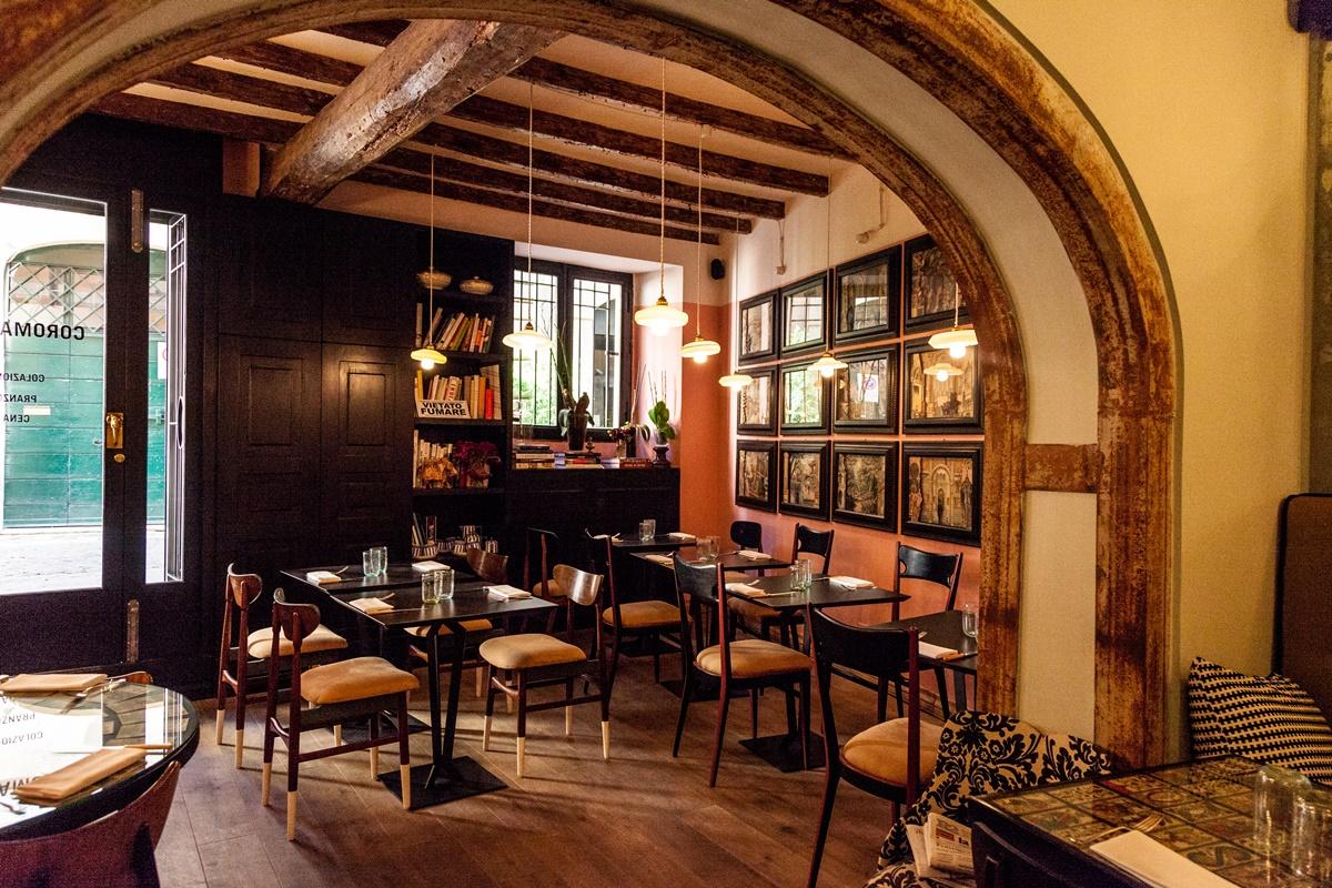 Colorato e dal design unico, il ristorante Coromandel è noto per il suo brunch in stile continentale, che propone anche un menu degustazione per consentire di creare abbinamenti unici con i vini per rendere migliore il pasto.