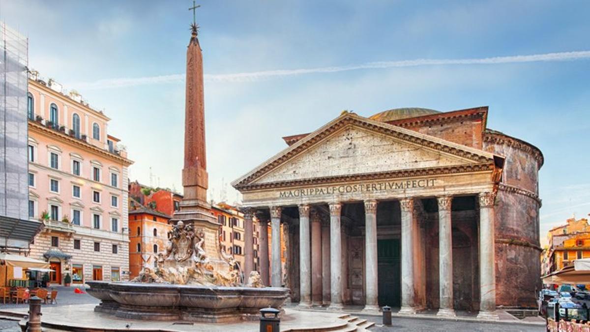 Al centro della splendida Piazza del Pantheon si erge la Fontana della Rotonda, imponente con la sua struttura quadrata posta su una pedana con tre gradini. Su di essa si staglia l'Obelisco. Nei dintorni sorgono bed and breakfast Roma in cui alloggiare